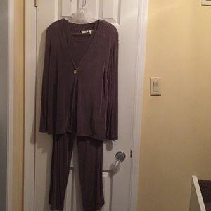 3-Piece travelers suit. Size PL.